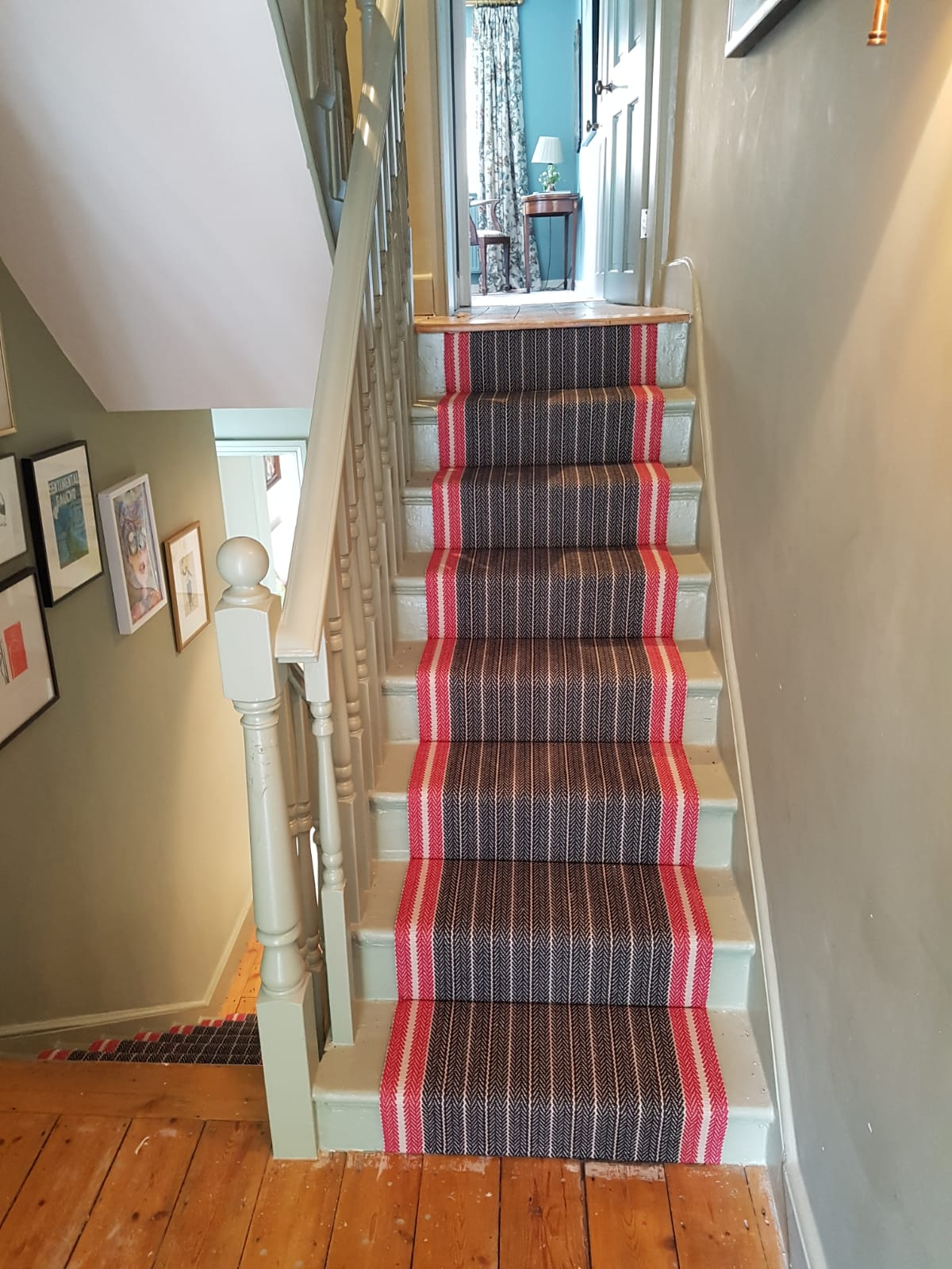 Excellent job by our fitter Barry, beautiful Roger Oates carpet ,making a simple staircase stylish
